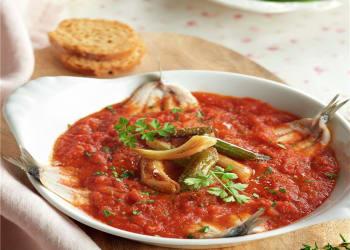 Boquerones en vinagre en tomate picantón